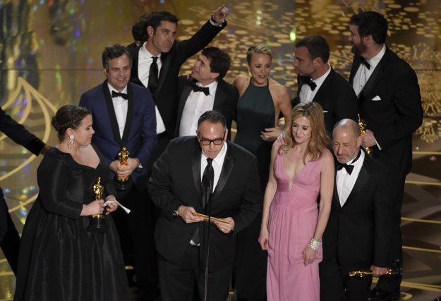 Tím tvorcov a hercov filmu Spotlight.