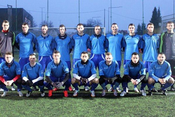 Takto nastúpili futbalisti Vrábeľ vo štvrtok na prípravný zápas proti Žarnovici.
