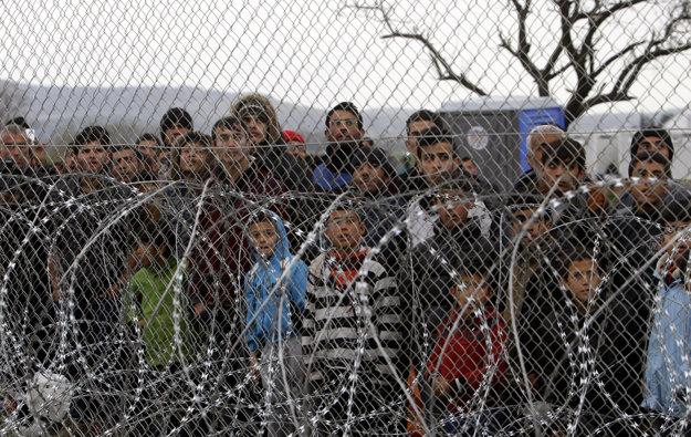 Utečenci na hranici Grécka s Macedónskom.
