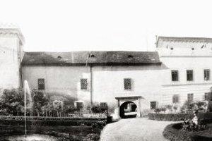 Kaštieľ v minulosti