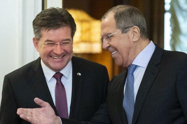 Šéf ruskej diplomacie Sergej lavrov a úradujúci predseda Organizácie pre bezpečnosť a spoluprácu v Európe (OBSE) Miroslav Lajčák v Moskve.