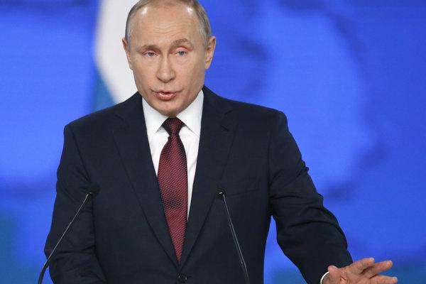 Putin naliehal i na valorizáciu dôchodkov.