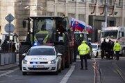 Protest farmárov na Štúrovej ulici v Bratislave.
