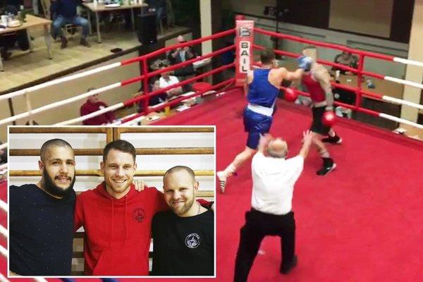Vratislav Gajdoš má za sebou debut v boxerskom ringu. Na snímke (v modrom) práve uštedril súperovi zadný hák.