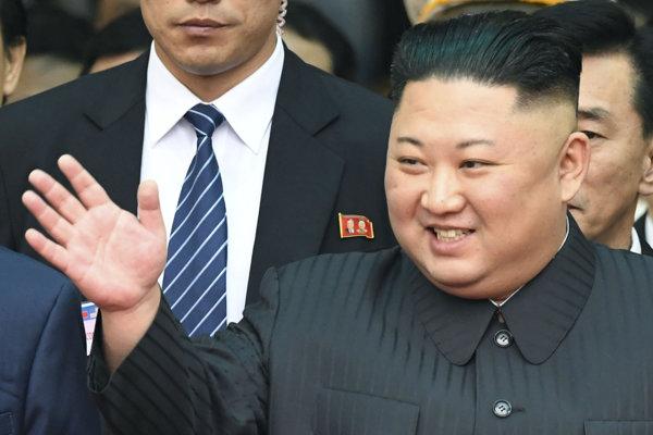 Severokórejský vodca Kim Čong-un po príchode do Dong Dangu.