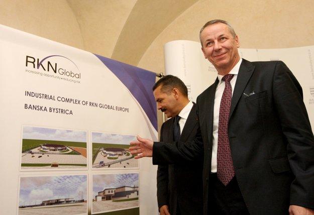 Primátor Banskej Bystrice Ján Nosko a majiteľ spoločnosti Ronald Noble