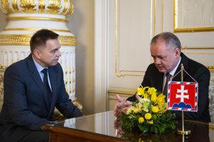 Peter Kažimír s prezidentom Andrejom Kiskom.