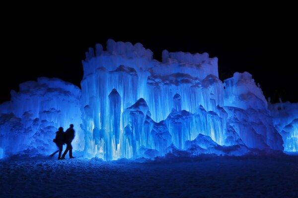 Reálne ľadové kráľovstvo v americkom meste North Woodstock.
