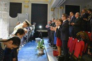 Predstavenie Denník Anny Frankovej štátnikov zdvihlo zo stoličiek.