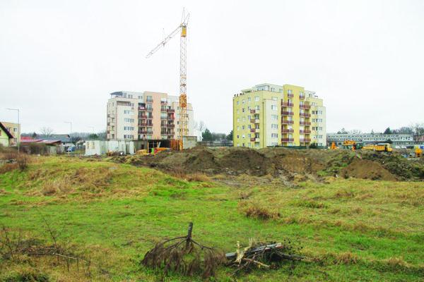 V súčasnosti stoja na sídlisku iba dva činžiaky. Výstavba bola od roku 2009 pozastavená.