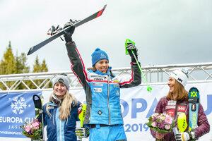 Petra Vlhová sa raduje z víťazstva v slalome na Európskom pohári v Jasnej 2019.