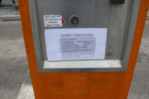 Oznámenie o platení parkovného.