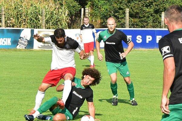 Futbalistov Topoľčian už na jar neuvidíme. Snímka je zo zápasu v Nedede.