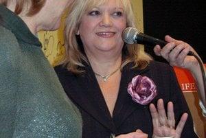 V roku 2006 uviedla Marcela Laiferová do života svoju kuchársku knihu.