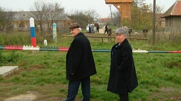 Takto to na hranici Slovenska a Ukrajiny vo Veľkých Slemenciach vyzeralo ešte pred vybudovaním hraničného priechodu.