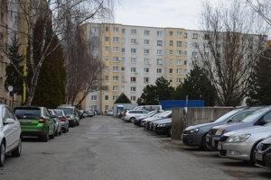 Parkovanie na Exnárovej ulici.