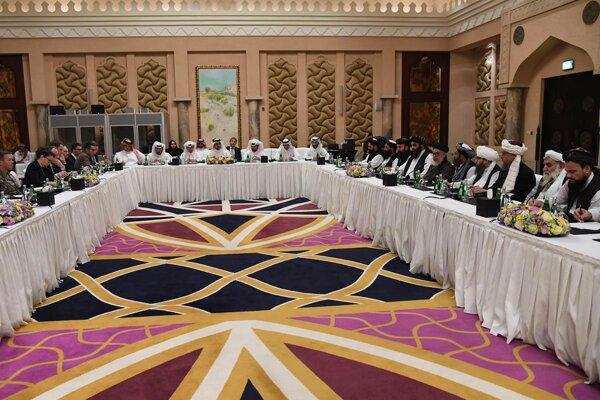 Rokovania delegácie Spojených štátov s Talibanom v katarskej Dauhe.