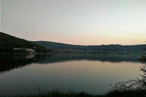 Vodná nádrž Ružiná je už roky magnetom pre turistov aj rybárov.