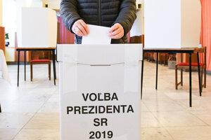 Slováci si volia prezidenta.