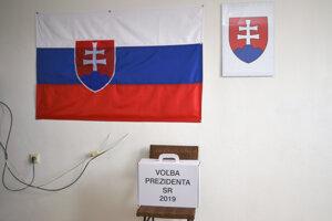 Prenosná volebná urna v Ústave na výkon trestu odňatia slobody v Levoči.
