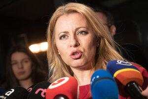 Zuzana Čaputová sa prihovára novinárom.