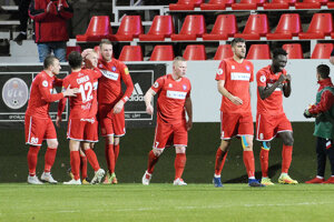 Futbalisti FC ViOn porazili Senicu a odlepili sa z dna tabuľky.