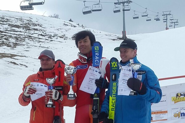 Vo finálovom slalome skončil Dávid Pristač (vľavo) druhý.