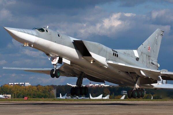 Bombardér Tu-22M3.