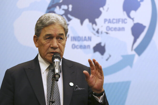Novozélandský minister zahraničných Winston Peters.
