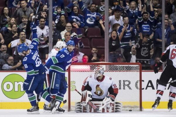 Vancouver Canuck - Ottawa Senators.