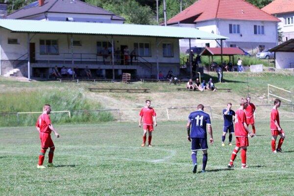 Na štadióne v Skýcove na jar futbal neuvidíte.