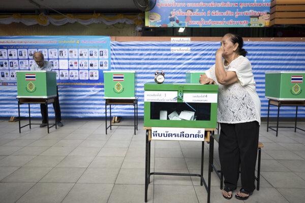 V Thajsku si volia parlament.