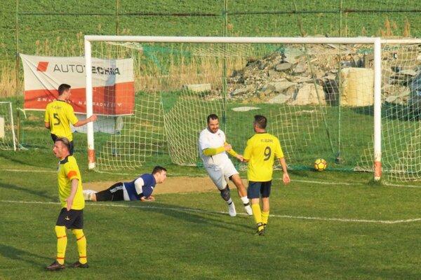 Hosťová porazila Jelenec a pripravila mu len tretiu prehru za sezónu.