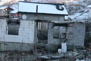 V dome uhoreli matka a jej 4 deti.