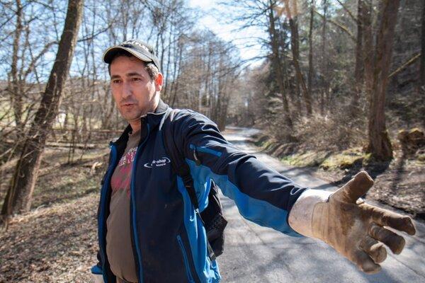 Matúš Dobias s rodinou prišiel brigádovať a chystal sa aj voliť. Priznal však, že jeho favorit vypadol už v prvom kole.