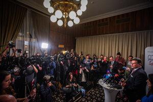 Maroš Šefčovič vo volebnej centrále vystúpil pred novinármi.