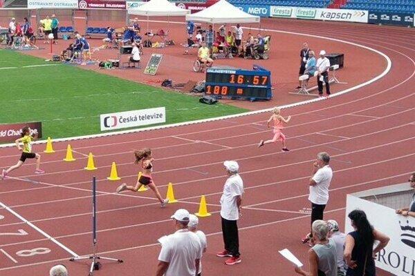 V Ostrave v roku 2017 s náskokom vyhrala beh na 100 metrov.
