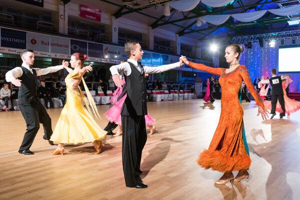 Tanečné rytmy prilákajú do Ružomberka stovky návštevníkov.