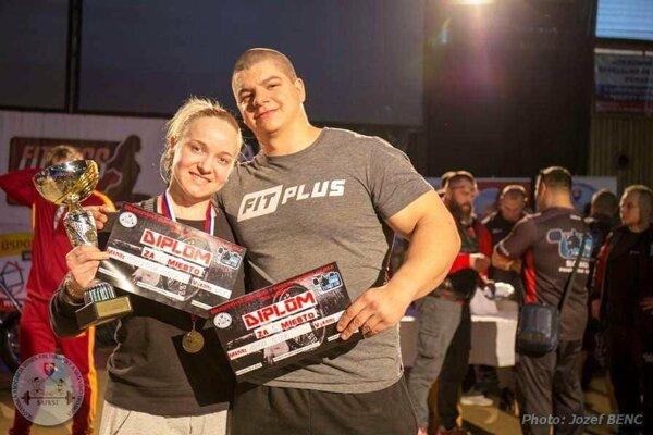 Nicol Scheerová na snímke s Petrom Supákom, jej priateľom a trénerom.