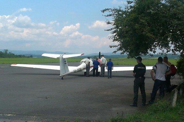 Podozrivé lietadlo polícia ihneď skontrolovala.