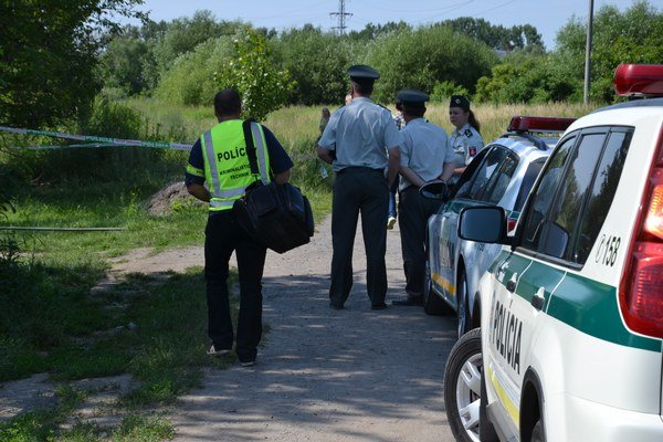 Miesto činu prehľadala polícia.