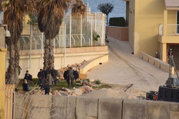 USA pre bezpečnostnú situáciu dočasne stiahli z Lýbie niekoľko svojich vojakov.