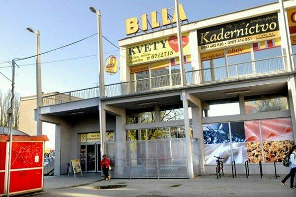 Michal kradol v tejto predajni Billa.