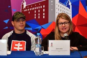 Šéfka organizačného výboru košickej časti MS Aneta Büdi s reprezentantom Ladislavom Nagyom.