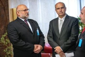 Policajným prezidentom bude jeden z dvojice Ivan Ševčík (vľavo) a Milan Lučanský.