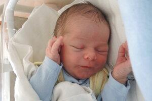 Tomáš Santus (3180 g, 51 cm) sa narodil 2. apríla Denisi a Tomášovi z Dolných Držkoviec.