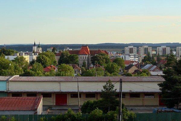 Azda najhoršie na tom je okres Rimavská Sobota, kde v niektorých obciach nezamestnanosť presiahla hranicu 90 percent.