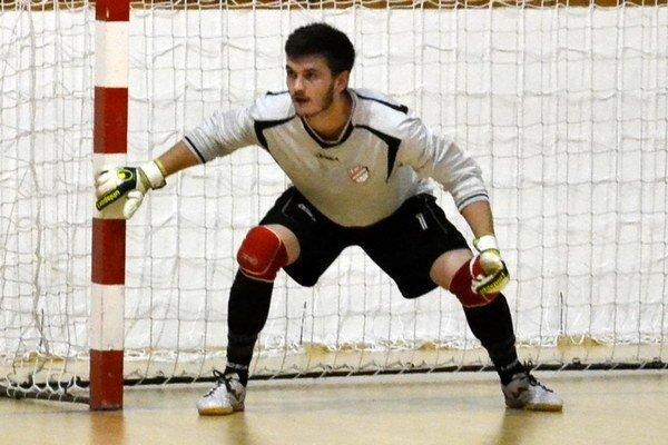LAFC má záujem o služby gólmana Tomáša Alberta, ktorý donedávna hájil farby Kalinova. Predstavil sa aj v bráne Futsal klubu Lučenec.