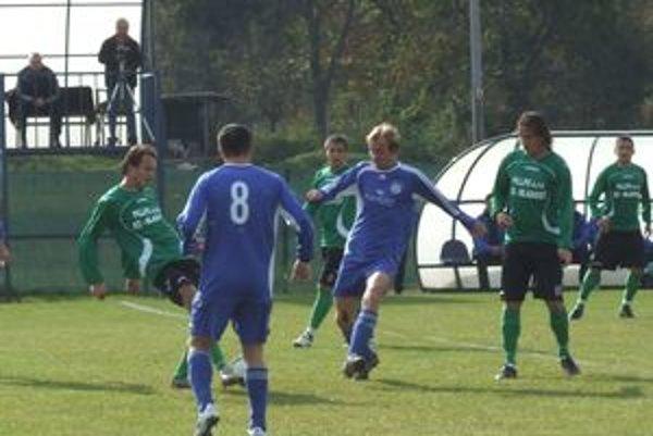 Ružinej sa v prvej polovici sezóny 2010/2011 podarilo dosiahnuť najviac remíz (6) spomedzi všetkých tímov účinkujúcich v súťaži II. ligy sk. Východ.