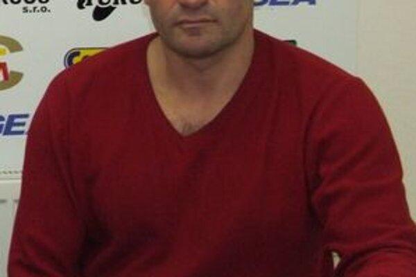 Kouča LAFC Lučenec Jozefa Škrlíka teší, že situácia v klube sa výrazne zlepšila.
